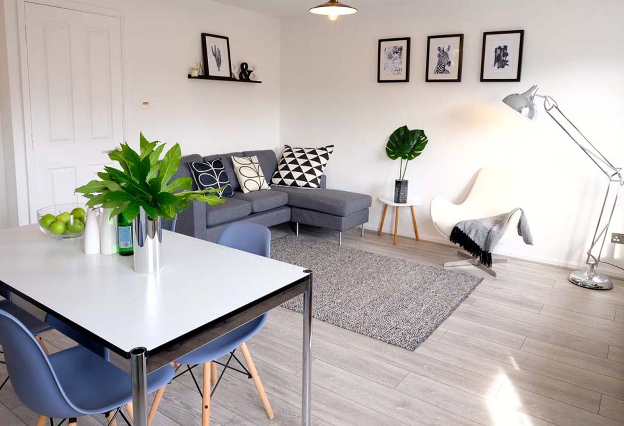 staging contemporary open plan kitchen-lounge