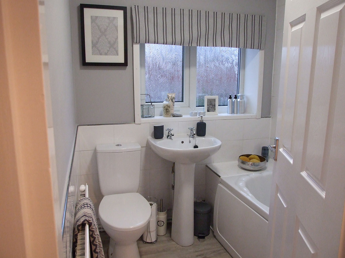 cheap-ways-to-update-your-bathroom-to-sell-your-home